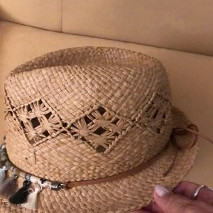 Tommy Bahama Accessories - Women's small straw hat